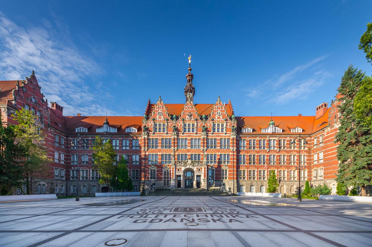 Politechnika-gdańska-gmach-główny-Gdańsk-zdjęcia